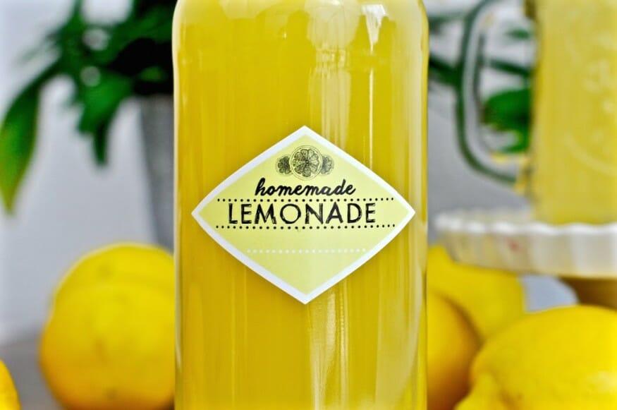 Limonaden Sirup in der Flasche