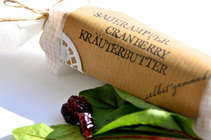 Kräuterbutter mit Sauerampfer und Cranberry