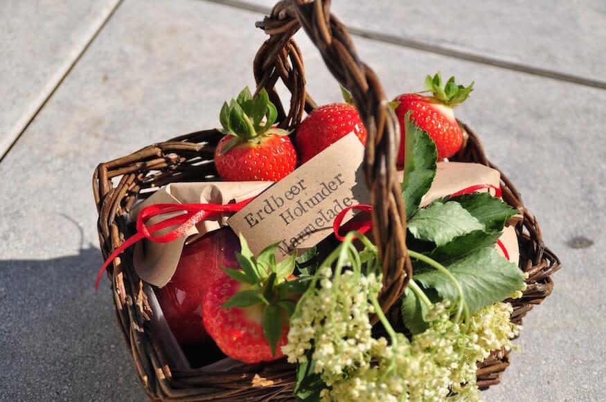 Erdbeere Holunderblüten Marmelade